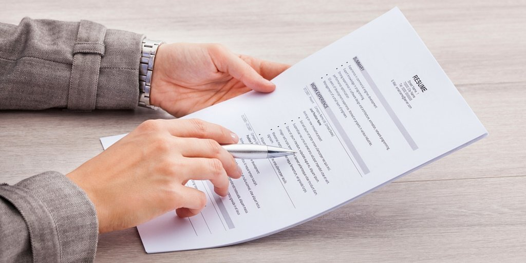 how to add certificate to resume