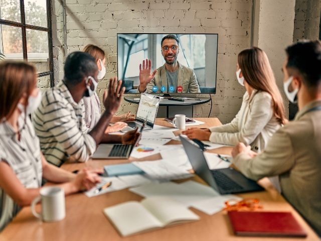Guides To Help You Shift to a Hybrid Workplace